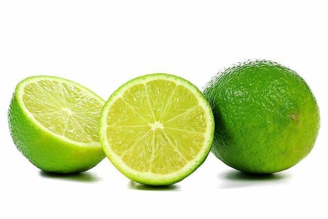 Aromatisch sauer und voller Kalzium: die Limette