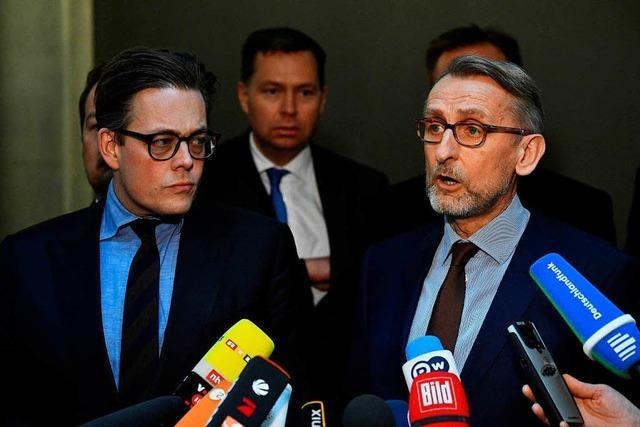 Armin Schuster: Hackerangriff auf Bundesregierung läuft noch