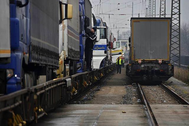 Erneut sind vier junge Tunesier auf einem Güterzug nach Freiburg eingereist