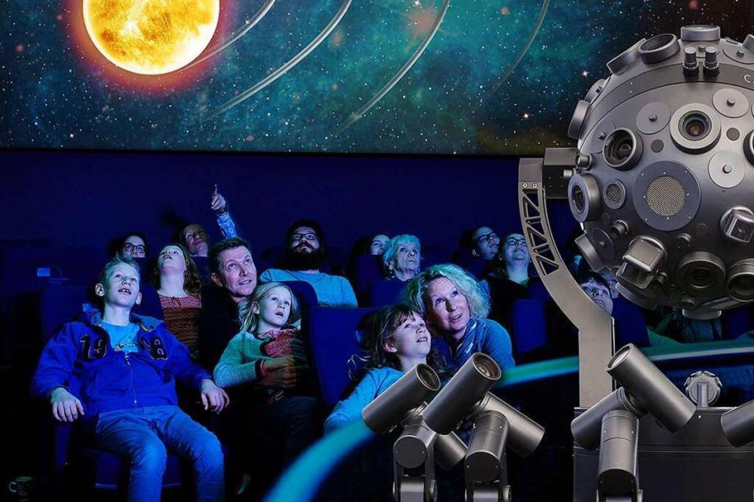 Planeten kennenlernen im Planetarium in Freiburg.  | Foto: Bernd Schumacher