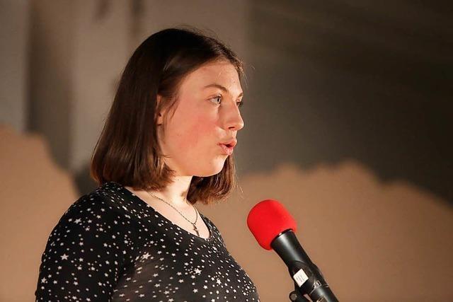 Ein Gedicht: Literarischer Soiree am Clara-Schumann-Gymnasium