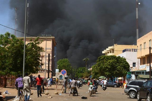 Viele Tote bei Anschlag auf französische Botschaft in Burkina Faso