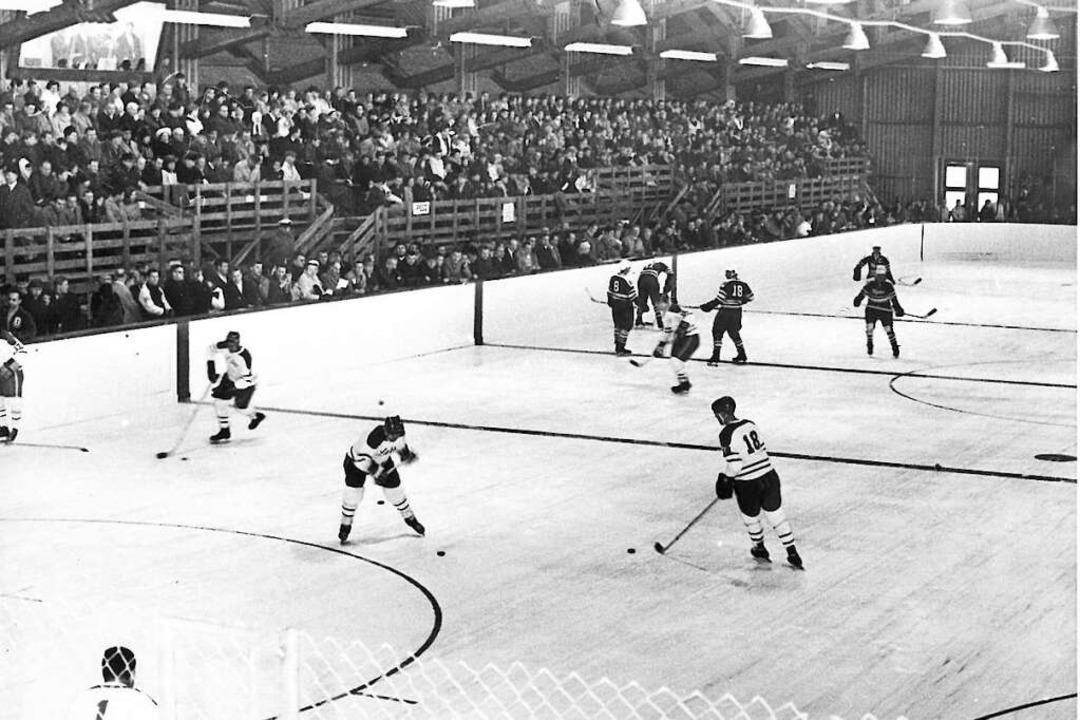 Ein Rückblick ins Jahr 1968: Vorbereit...auf ein Spiel in der Arrowhead-Arena.     Foto: Archiv BZ