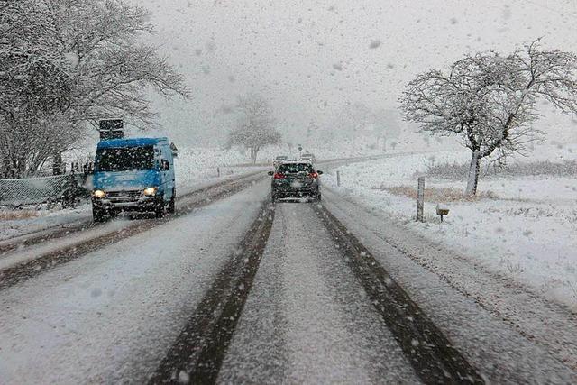 Starker Schneefall sorgt für Chaos