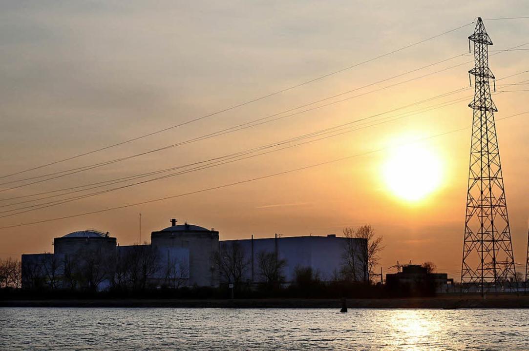Die Tage des umstrittenen AKW am Rhein scheinen gezählt.  | Foto:  dpa
