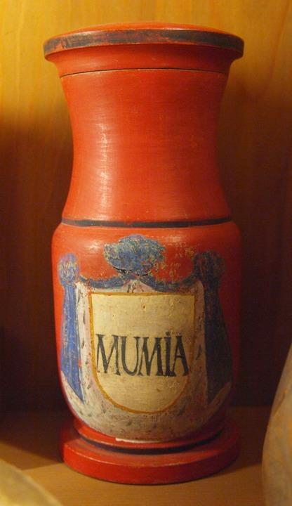 Nur äußerlich verwenden: Mumienpulver als Arznei  | Foto: -