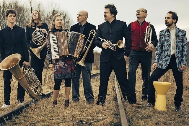 Dahoam und Retour - ein musikalischer Ritte rund um den Globus mit der Unterbiberger Dorfmusik