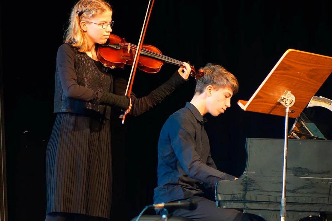 Die Geschwister Meike Ramm (Violine) und Martin Ramm (Klavier)  | Foto: Roswitha Frey