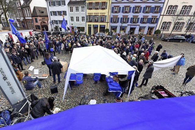 Pulse of Europe erwacht auf dem Augustinerplatz aus dem Winterschlaf
