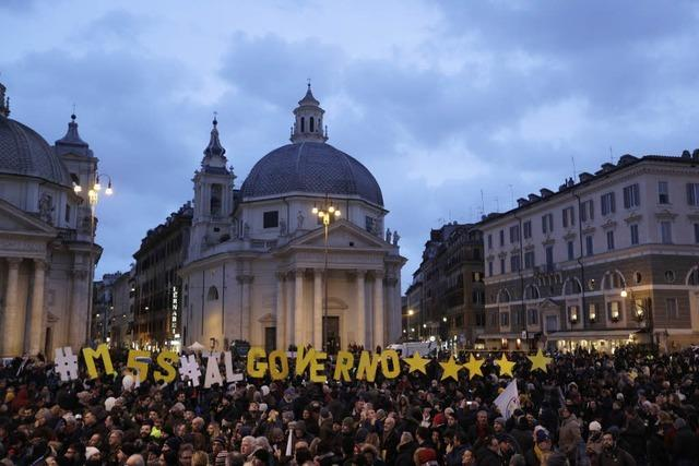 Parlamentswahlen in Italien: Rechte und EU-Kritiker vorne