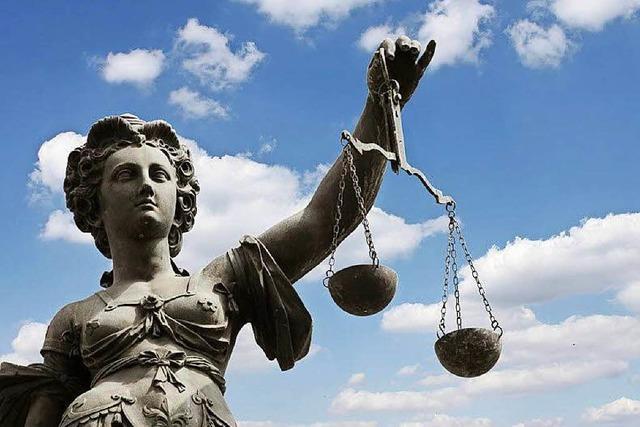 Bewährungsstrafe für Steuerhinterzieher, der Reichsdeutschen vertraute