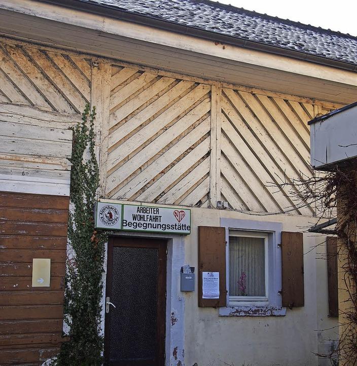 Die AWO-Begegnungsstätte in der Lörrac...h die laufenden Kosten über den Kopf.   | Foto: Gabriele Poppen