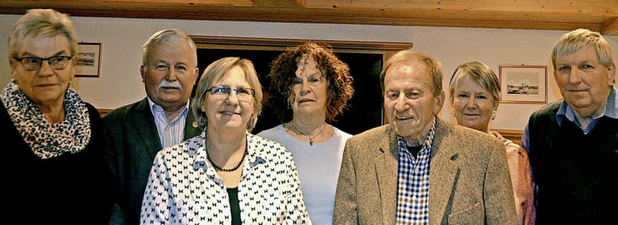 Die Geehrten (von links): Renate Weile... Wally Kürner  und Peter Pollex  (40).  | Foto: Christiane Sahli