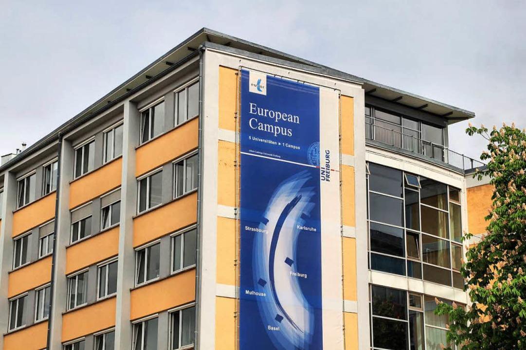 Blick in die Zukunft: Die Uni Freiburg wirbt bereits für den European Campus.  | Foto: Steve Przybilla