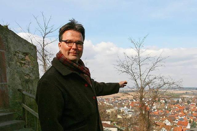 Ortsrundgang durch Riegel mit Bürgermeisterkandidat Stefan Mäder