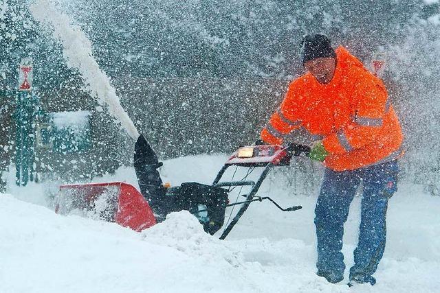 Diebe klauen Schneefräse aus Garage in Görwihl