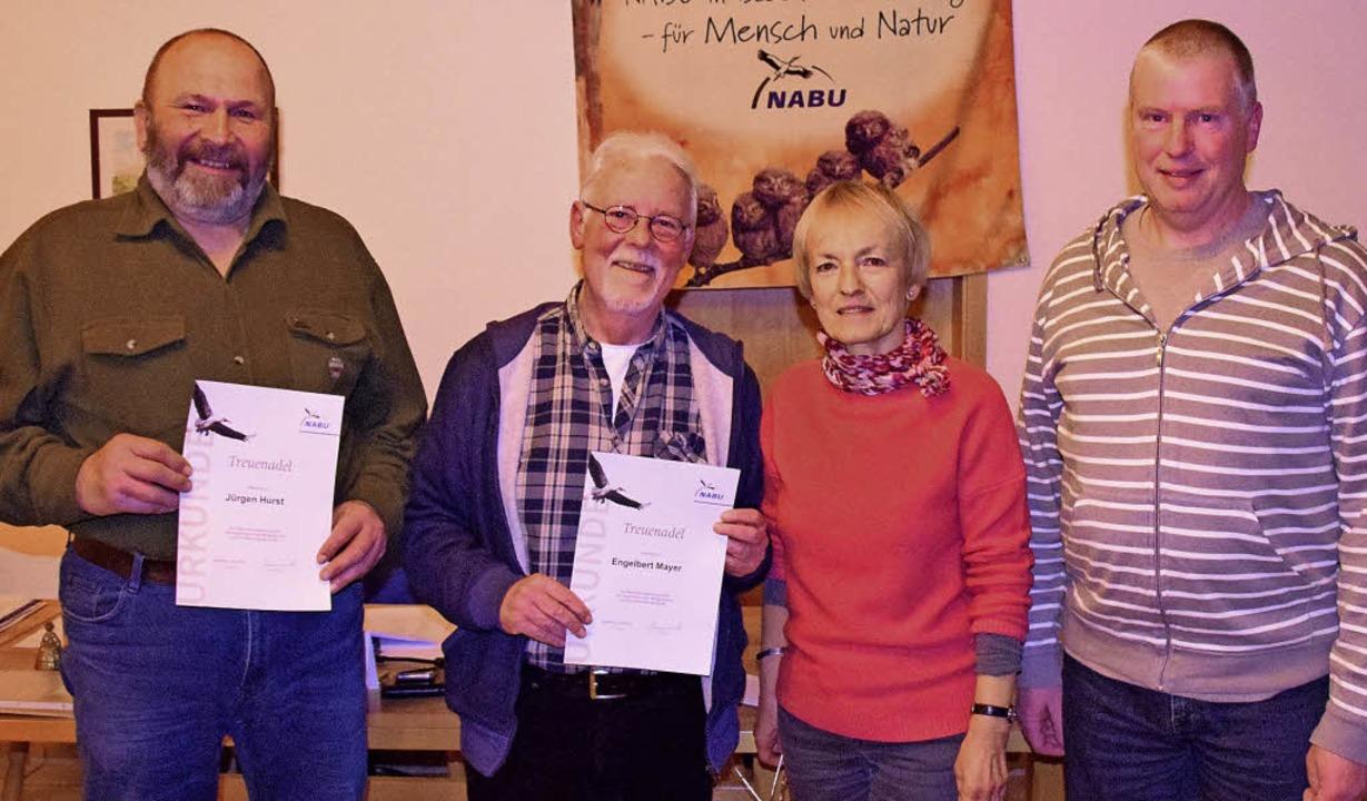 Jürgen Hurst und Engelbert Mayer (von ...h wurden neu in den Vorstand gewählt.   | Foto: Johannes Burkart