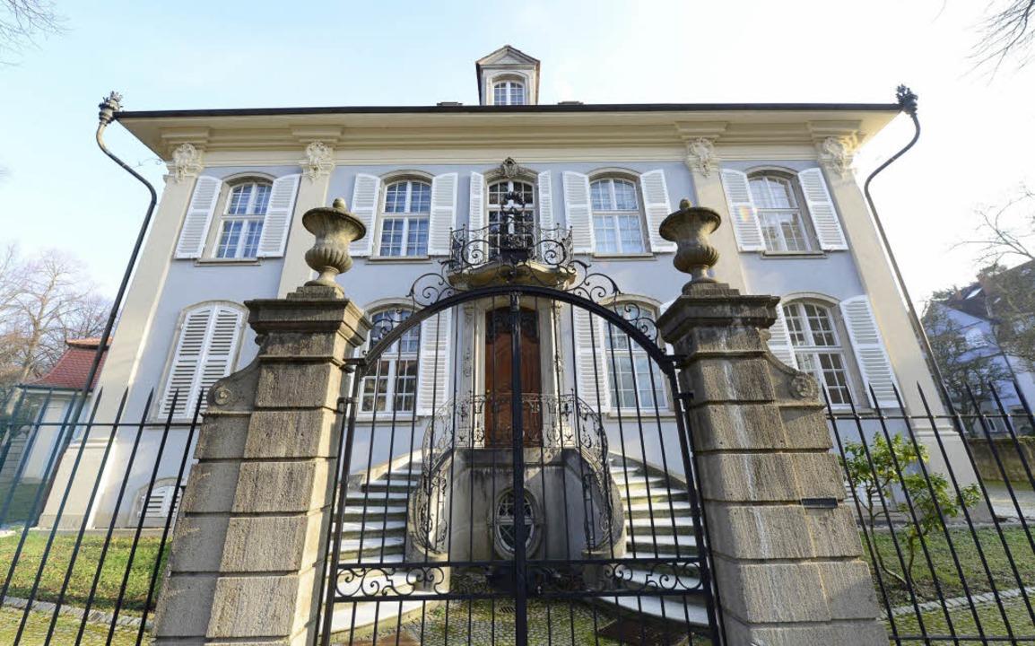 Die repräsentative Villa am Aschoffplatz steht seit Januar 2016 leer.  | Foto: Ingo Schneider