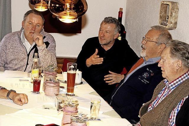 Erste Diskussionsrunde von Senioren