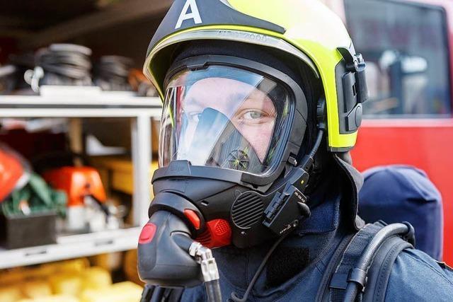 Warum Bärte für manche Feuerwehrmänner tabu sind