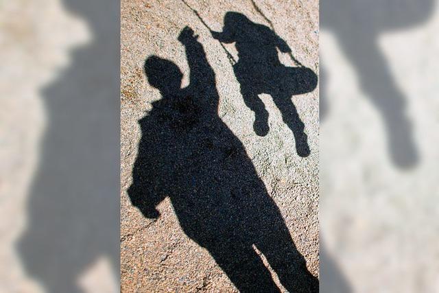 Vater will seinen Sohn sehen – und legt sich mit sechs Polizisten an