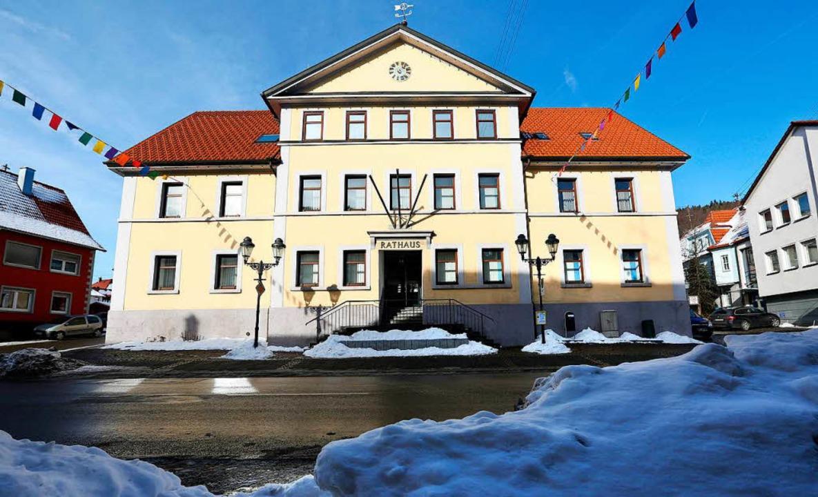 Im Burladinger Rathaus führt nun Südde...r AfD-Bürgermeister die Amtsgeschäfte.  | Foto: Thomas Warnack