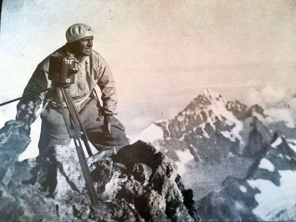 Mit 30 Kilo Equipment hoch hinaus: Sepp Allgeier auf dem Gipfel des Matterhorns  | Foto: -