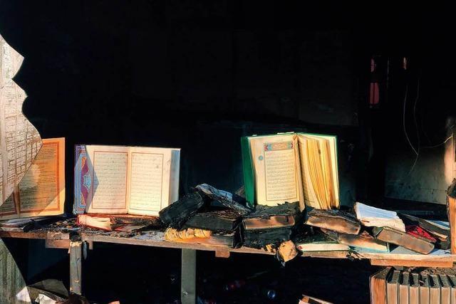 Nach Brandanschlag auf Moschee in Lauffen sucht LKA fünf Täter