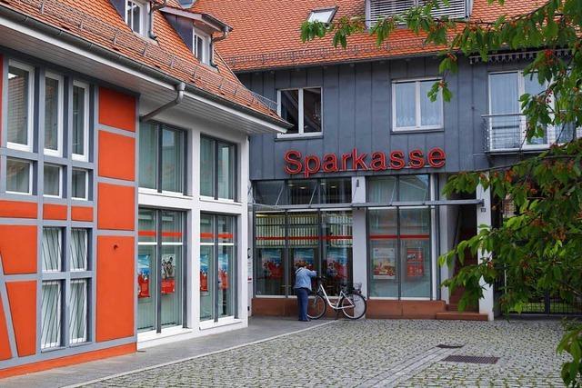 Anita Schmalz leitet die Sparkassen-Geschäftsstelle in Umkirch