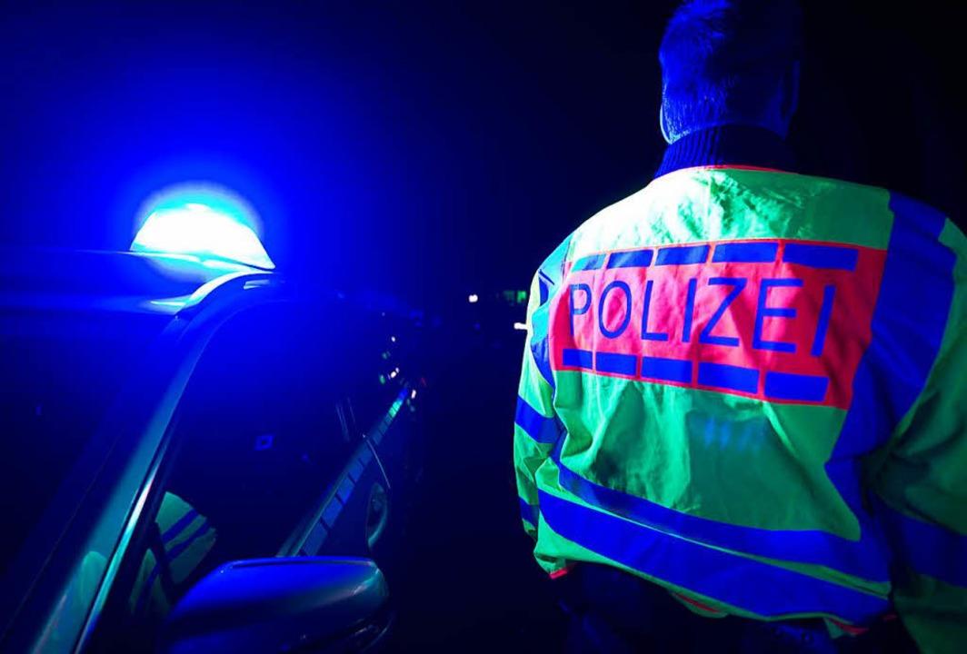 Bei einem schweren Unfall auf der A5 w... durch ein Wunder nur leicht verletzt.  | Foto: dpa