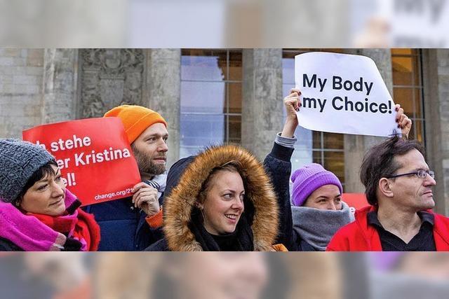 Keine Abstimmung bei Werbeverbot für Abtreibungen