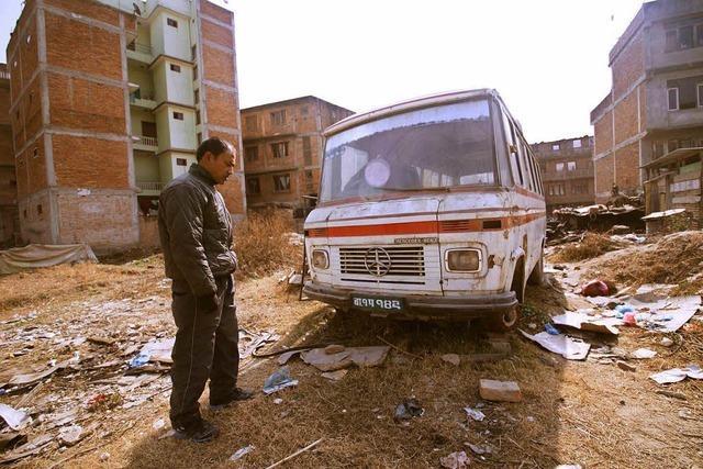 In Nepal werden alte deutsche Hippie-Busse verboten