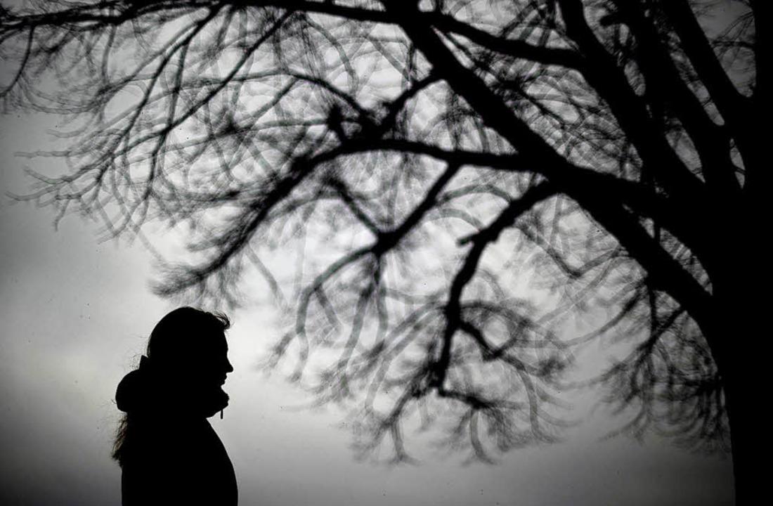 Alles grau: Manche Menschen leiden jed...t und Winter an Stimmungsschwankungen.  | Foto: dpa