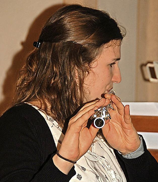 Linda Heer spielte virtuos auf der Querflöte.  | Foto: Jutta Binner-Schwarz