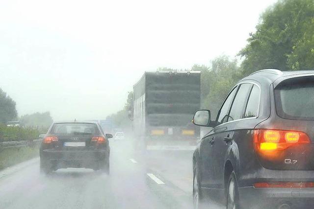 Überholmanöver in Lörrach gefährdet Autofahrer