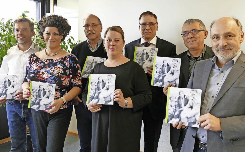 Sie verantworten künftig das Stadtbuch...hring und (nicht im Bild) Lars Frick.     Foto: Sabine Ehrentreich