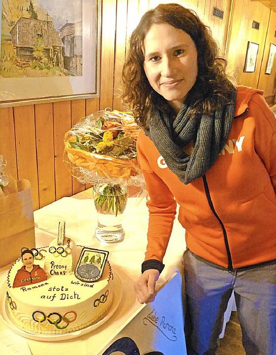 Olympiatorte für Ramona Straub  | Foto: Annemarie Zwick