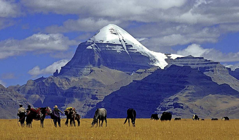 Der Kailash gilt als heiligster aller ...t ihn schon mehr als 30 Mal umrundet.   | Foto: Bruno Baumann