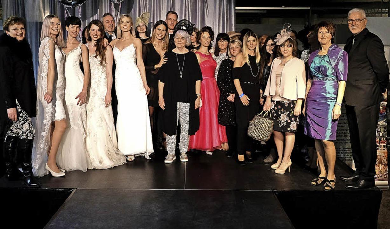 Die Fashion Night bot Genuss für Auge ... links: Miss Germany Anahita Rehbein.   | Foto: Frank Linke