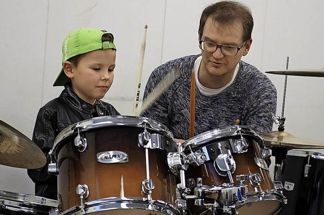 Trommeln um musikalischen Nachwuchs