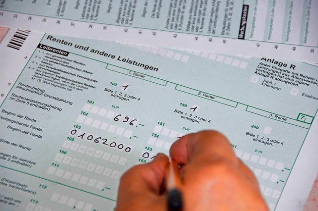 Wie sich die neue Gesetzeslage auf die Einkommensteuer für Rentner und Pensionäre auswirkt