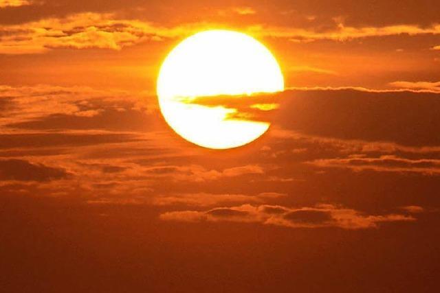 Warum sind Sonnenstrahlen warm, obwohl sie durchs kalte All kommen?