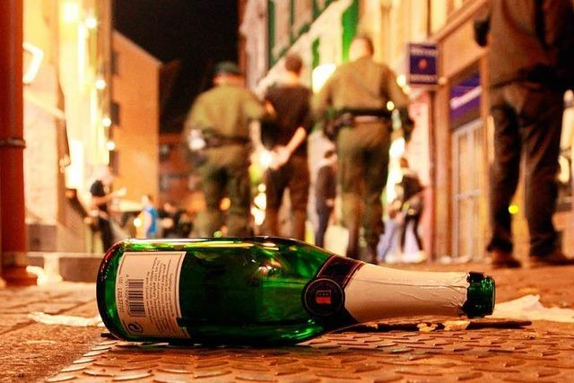 Geburtstagsfeier eskaliert und muss von Polizei beendet werden