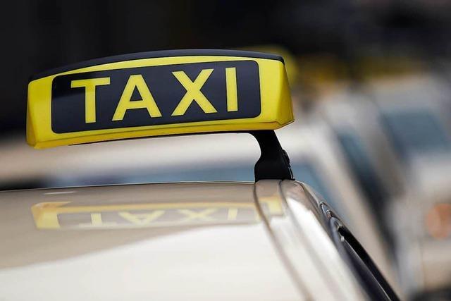 Fahrgast verschwindet, Taxifahrer wird geprellt