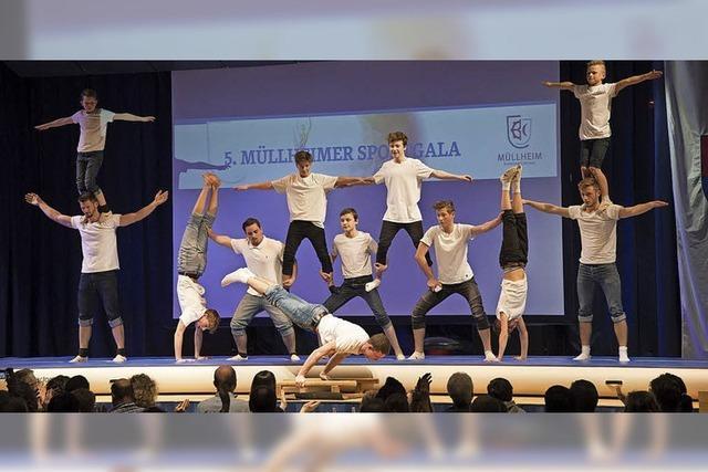 Akrobatik, Tanz und ein Segelflugzeug