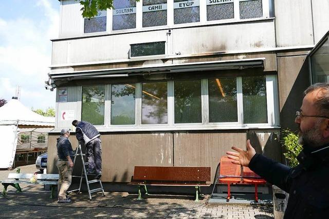 Anwalt bezeichnet Brandanschlag auf Moschee in Weil am Rhein als