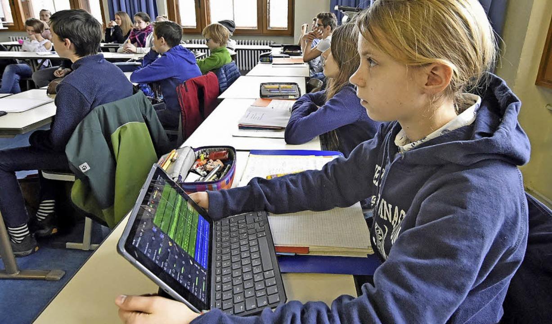 Unterricht mit Tablet am Friedrich-Gymnasium.  | Foto: Michael Bamberger