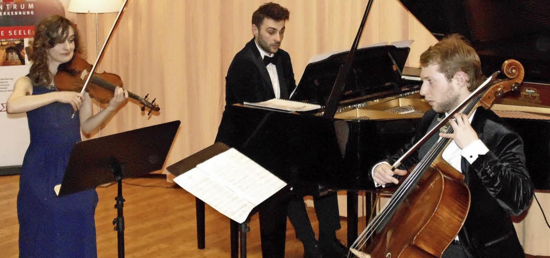 Das Flaneur-Trio mit Jagoda Prucnal (V... trat am Montag im Sigma-Zentrum auf.   | Foto: Gottstein