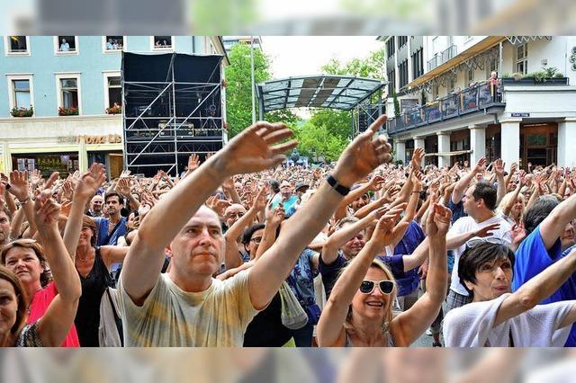 Die Stadt schmückt sich fürs Festival