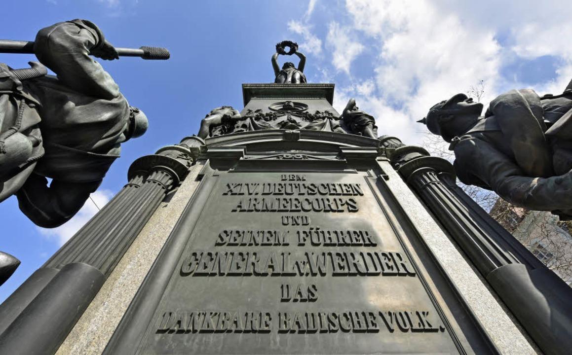 Das Siegesdenkmal bleibt, der Platz bekommt einen neuen Namen.  | Foto: Michael Bamberger